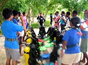 papua dive education